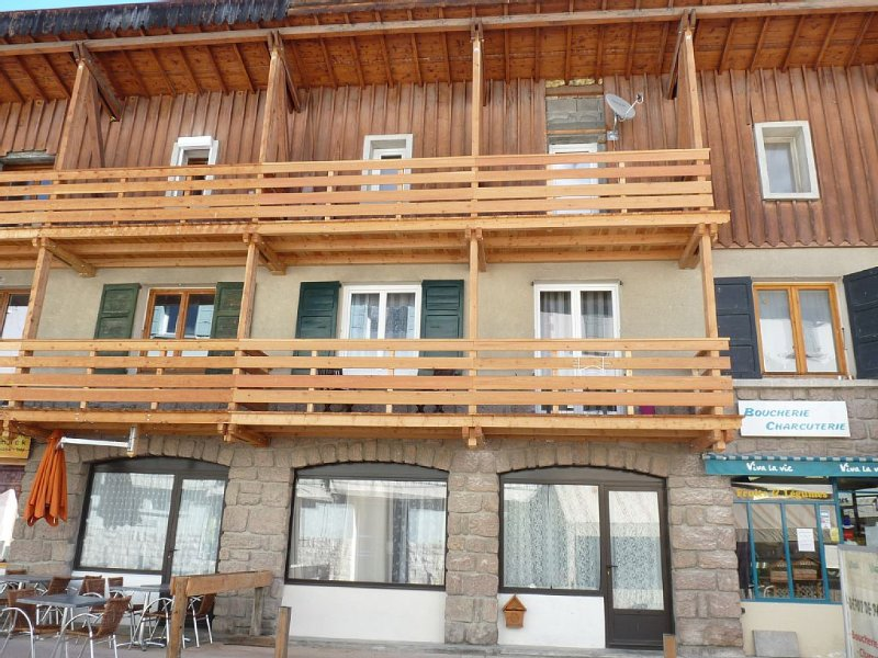 Abries en queyras location dans maison de village, holiday rental in Aiguilles
