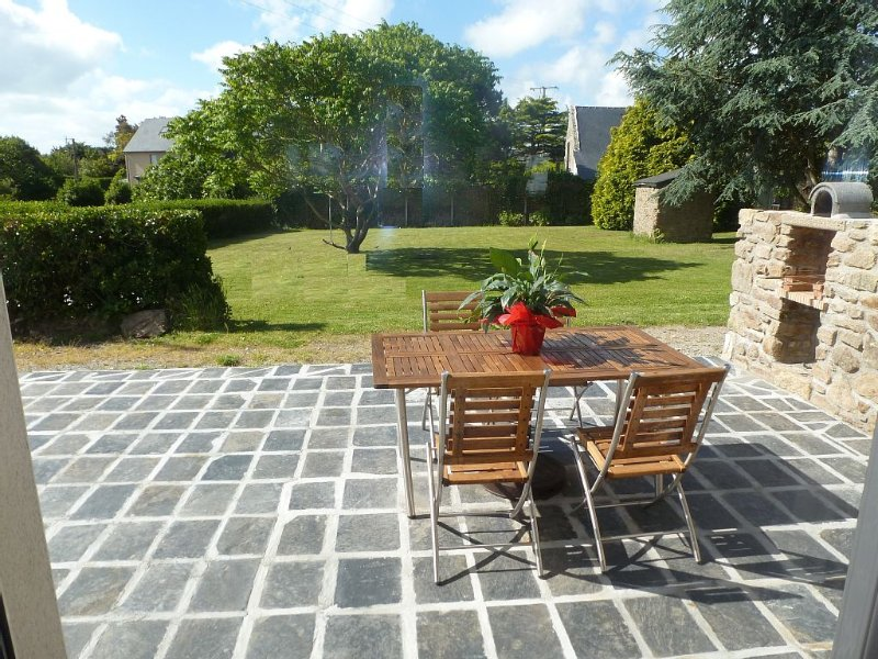 Longere with seaside view, vacation rental in Cancale