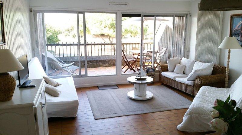 Une magnifique vue mer, accès direct plage, vacation rental in La Rochelle