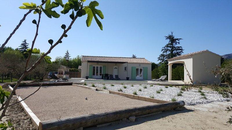 Maison récente au pied du Mont Ventoux avec piscine privée en Provence, Bédoin, location de vacances à Bedoin