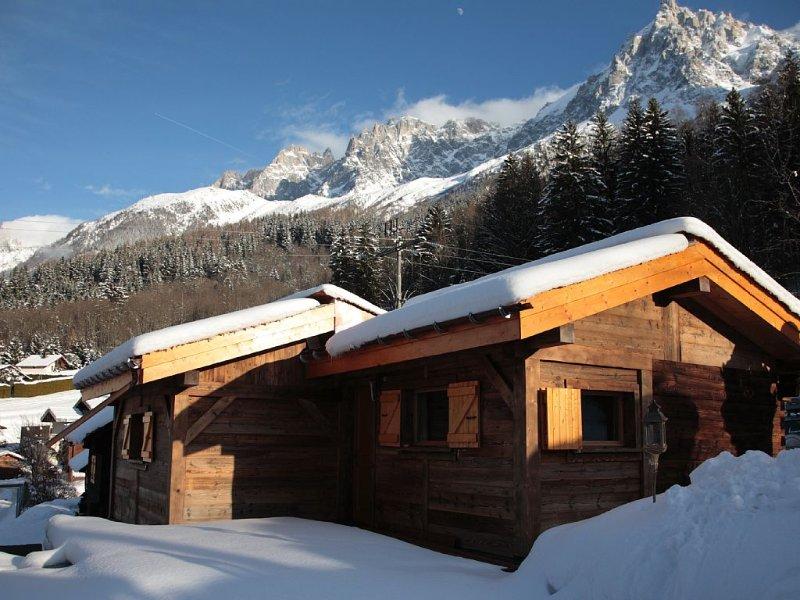 Petit chalet de charme à Chamonix-Mont-Blanc, holiday rental in Les Houches