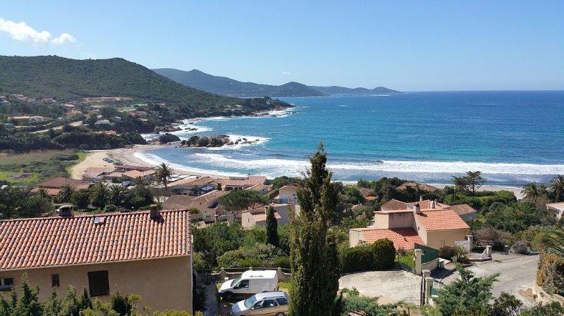 Beautiful villa near the beach of Ruppione, location de vacances à Pietrosella