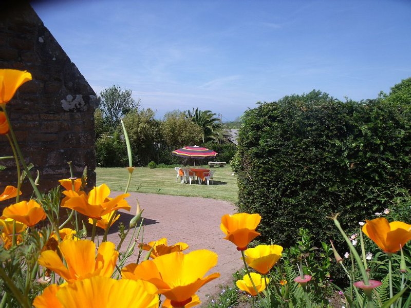 Gîte breton en plein coeur de la côte de granit rose, casa vacanza a Pleumeur Bodou