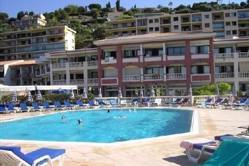 Vue magnifique  baie de Villefranche dans résidence de tourisme avec piscine, aluguéis de temporada em Villefranche-sur-Mer