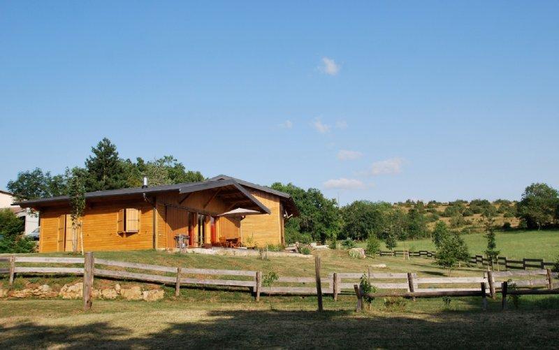 Au calme entre causse et vallon, vacation rental in Nauviale