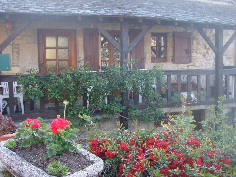 PROMO SEPTEMBRE 15%  Maison indépendante spacieuse ,  vue sur le  LAC(3 clés, Ferienwohnung in Espalion