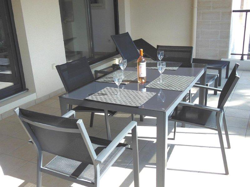 APPARTEMENT T3 P 67m² + Terrasse 20m²  Grand Standing avec Piscine, aluguéis de temporada em Bandol