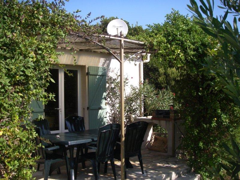 villa piscine près mer montagne à TRAVO,  6km Solenzara, 40 Porto-vecchio 4 pers, location de vacances à Ventiseri