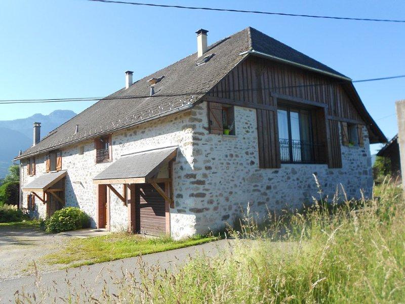 Appartement dans une ancienne ferme proche d' ANNECY, holiday rental in Aviernoz