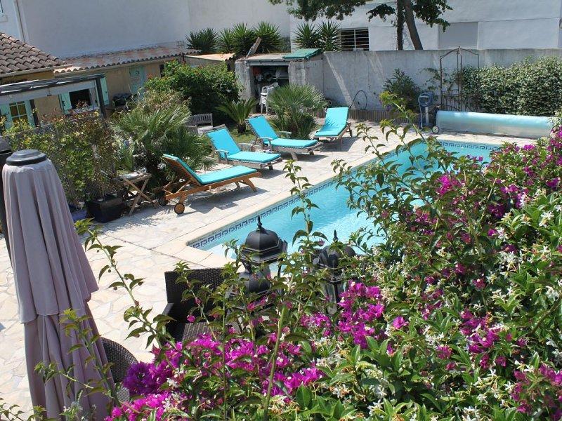 appartement F2 dans villa avec piscine, aluguéis de temporada em Toulon