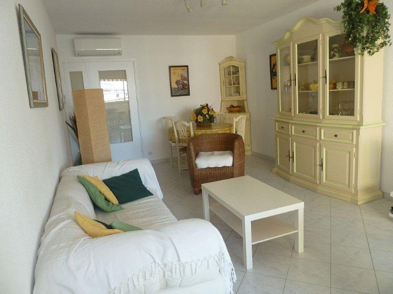 Sainte-Maxime centre . App F3 classé *** , 70m2, clim, wifi, holiday rental in Sainte-Maxime