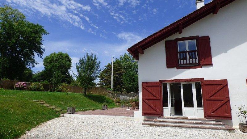 Maison idéale pour famille de 5 personnes ou 2 couples, location de vacances à Saint-Jean-de-Luz
