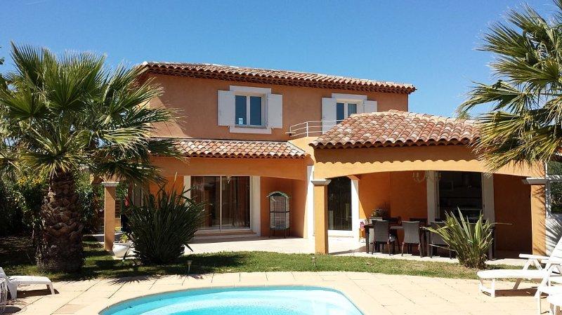 Saint Cyr /Mer Plage Les Lecques, villa avec piscine, climatisation , commerces., location de vacances à Saint-Cyr-sur-Mer