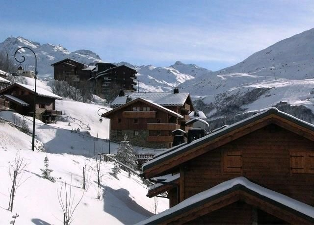 New, rare, and comfortable apart for 7 -128 sq.m - at the foot of the ski runs, holiday rental in Le Bettaix
