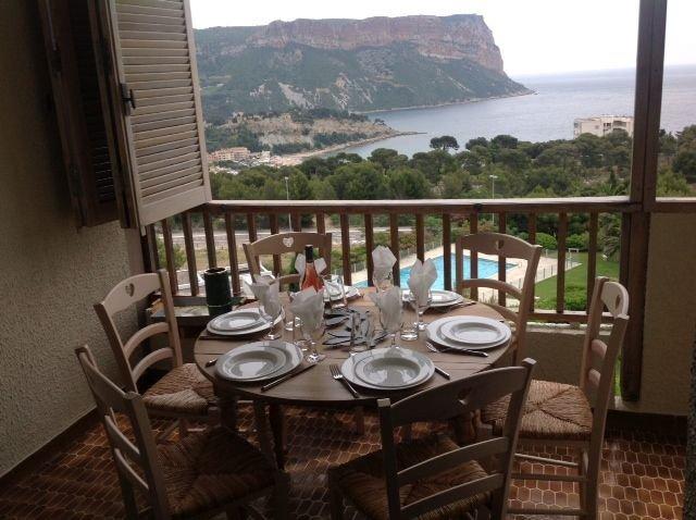 App de Charme - T4 - 88m² - piscine -Vue panoramique. classement 4 ****, holiday rental in Cassis