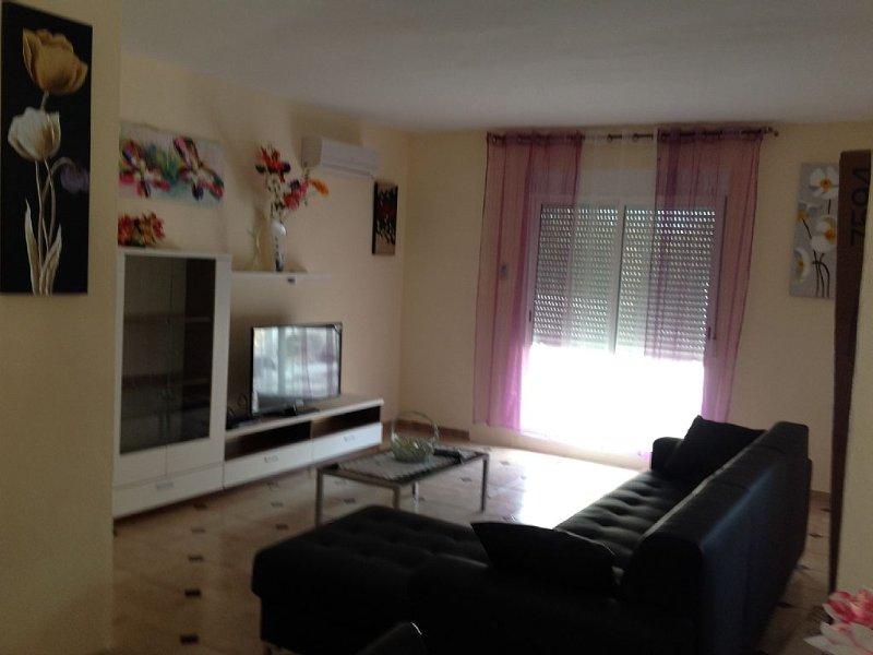 Bas de Villa climatisée de 90 m², 3 Chambres, Piscine et court de tennis, location de vacances à Sagunto