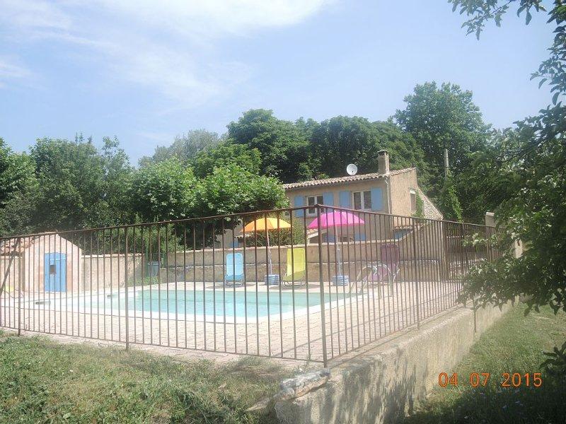 maison avec piscine privé  au pied du Mont Ventoux et de Sault., vacation rental in Sault