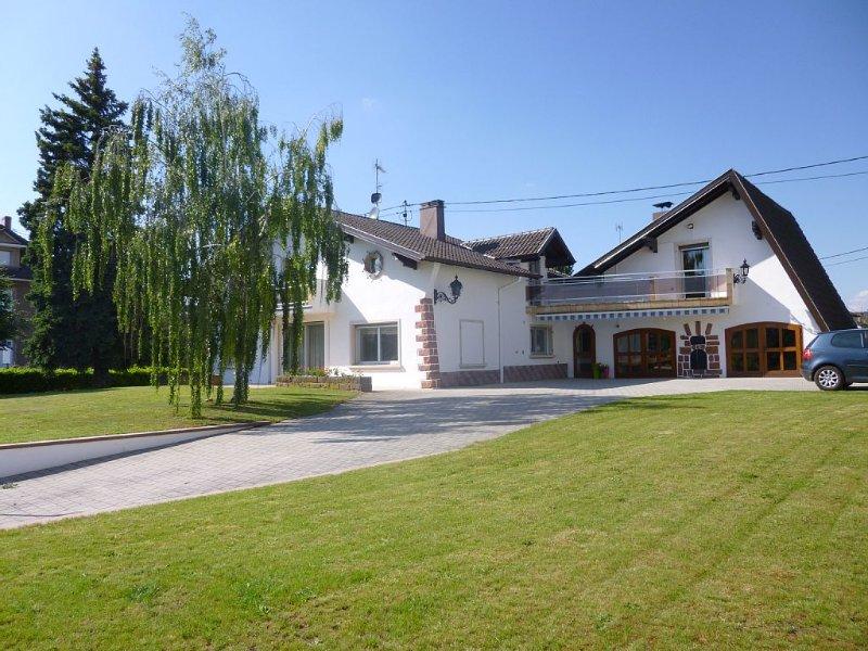 Obernai très belle villa rénovée, lumineuse de 180 m2 tout confort pour 2 à 8 p, location de vacances à Bernardswiller