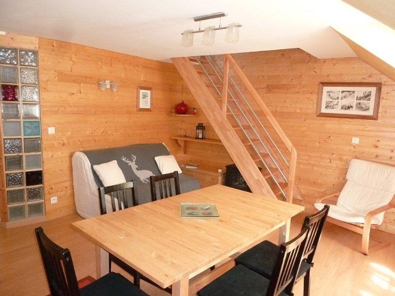 charmant appartement 3 pieces duplex 59m2 à 100m télécabine  centre du village, location de vacances à Cauterets