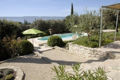 Belle Villa provençale, calme, vue Luberon, Piscine privée chauffée, Golf, holiday rental in Cabrieres-d'Avignon