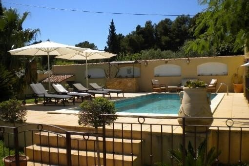 Charmante habitation indépendante dans propriété La Ciotat Mer, location de vacances à La Ciotat