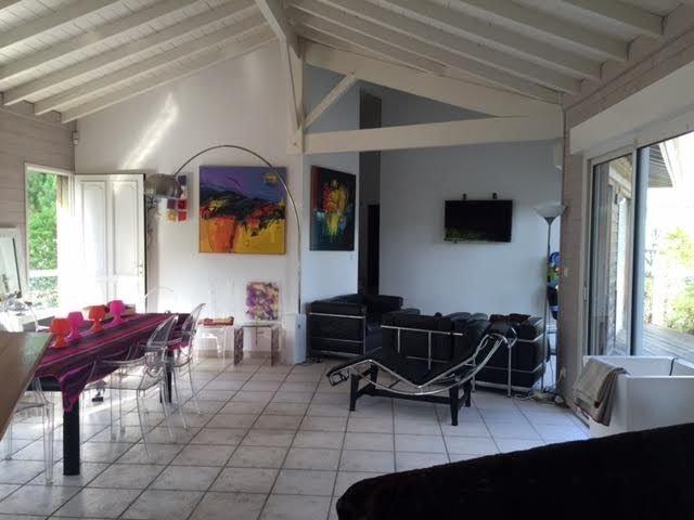Villa de charme avec piscine, véritable havre de paix au milieu des pins, holiday rental in Lege-Cap-Ferret