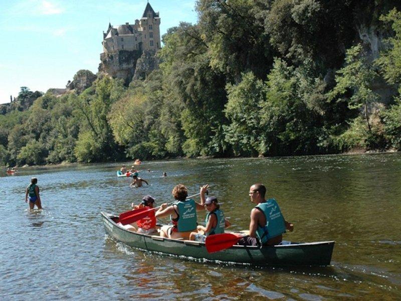 Canoës sur la rivière Dordogne