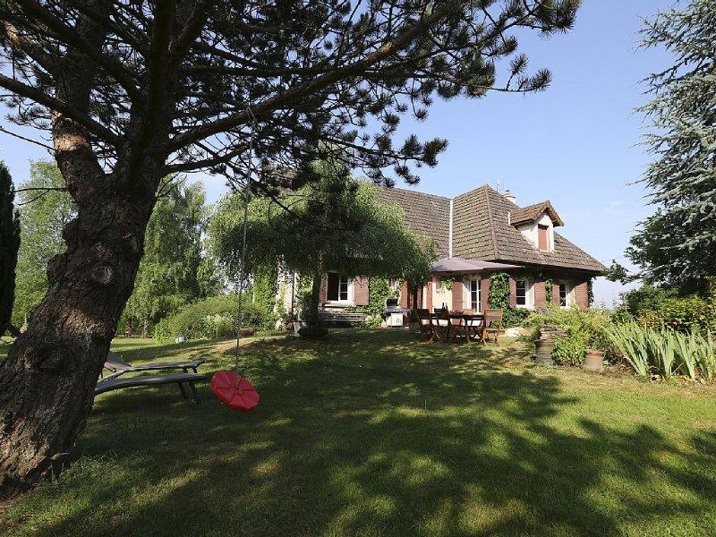 Entre Route des Vins & Morvan,gîte spacieux avec billard idéal pour se retrouver, holiday rental in Marmagne