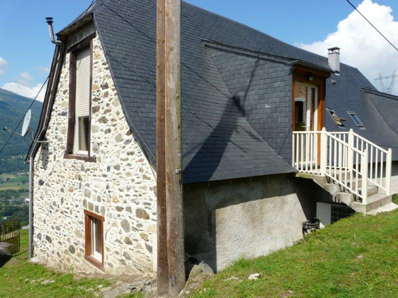 Beautiful house 2-3 people in mountain converted barn, casa vacanza a Arcizans-Avant