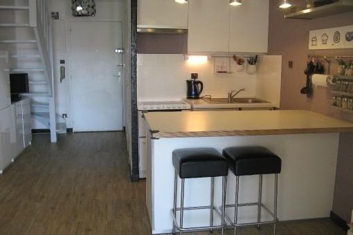 Appartement duplex T2 + mezzanine Argentiere Plage pieds dans l'eau vue mer, vacation rental in La Londe Les Maures