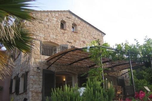 6 min à pied de la plage, CHARME ET CONFORT dans cette jolie demeure, holiday rental in Belvedere-Campomoro