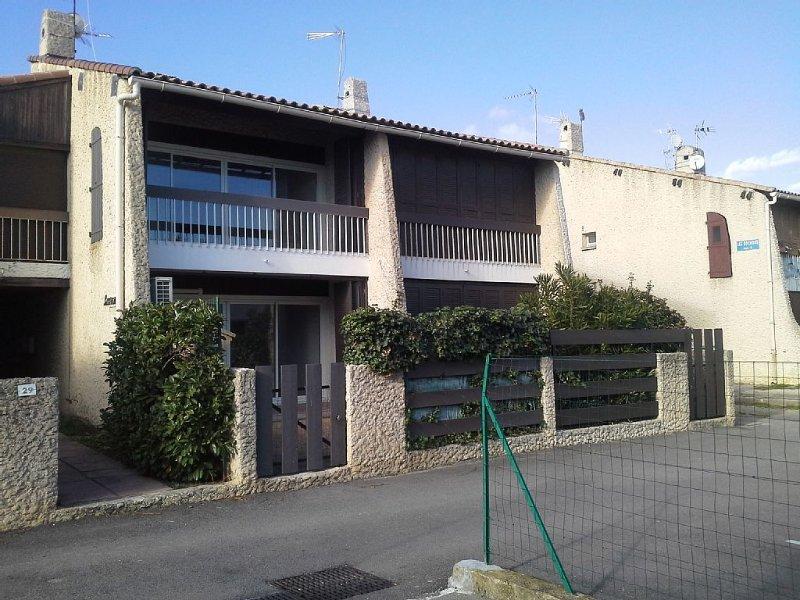 Villa 75 m2 à 50 m de la plage 5 à 7  personnes, vacation rental in Le Grau-du-Roi