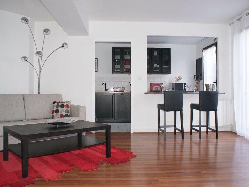 Grand T2 de 59m² avec  jardin et parking privatif  dans centre historique Dijon, vacation rental in Genlis