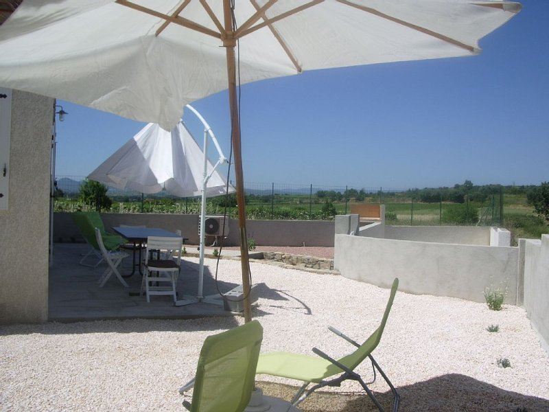 Vacation villa rental, holiday rental in Cazouls d'Herault