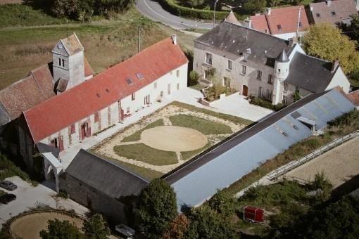 dépendance d'un manoir au coeur du vexin français : 2 à 9 personnes, vacation rental in Magny-en-Vexin