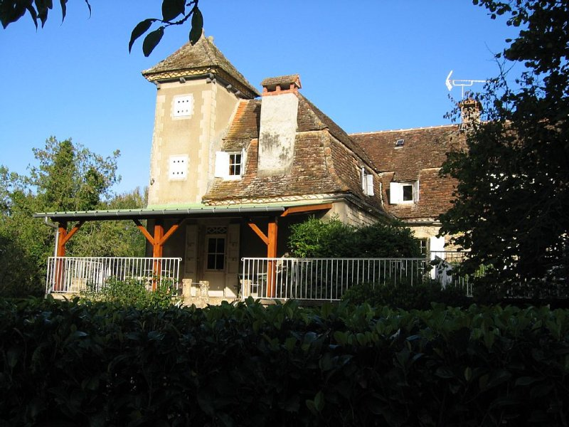maison ancienne restaurée-pigeonnier-calme- parc ombragé-Prudhomat, location de vacances à Autoire
