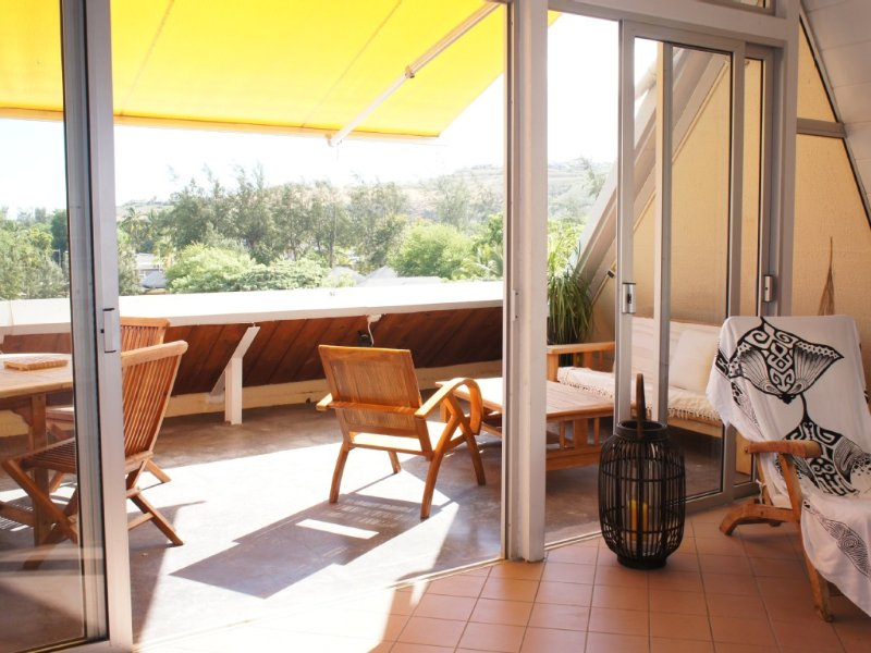 A 100 mètres de la plage  ! Appartement de charme avec Grande terrasse, holiday rental in La Saline les Bains