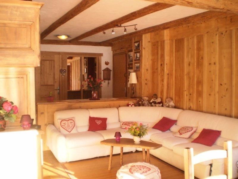 Appartement de charme aux gets dans village pittoresque et familial, vacation rental in Les Gets