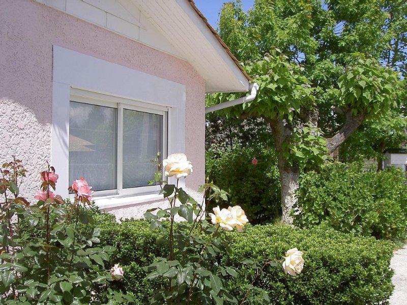 Casa Rosa**vous offre un gîte plein de charme, indépendant avec jardin privatif, vacation rental in Gujan-Mestras