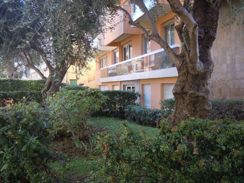 FOR RENT ALL SEASONS - IN THE TOWN CENTRE IN A QU, location de vacances à Menton