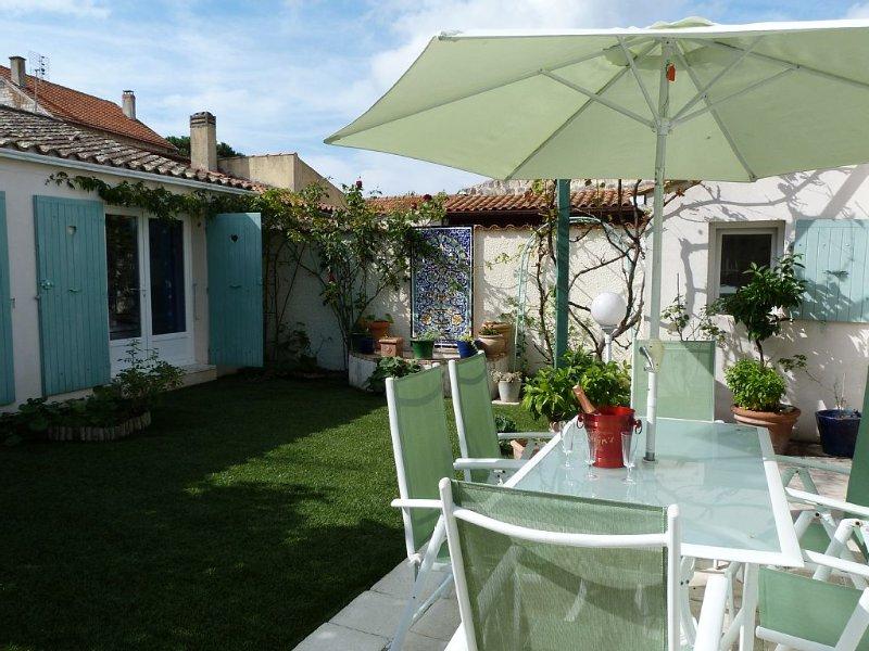 Maison de charme à 200 de la mer  Saint Trojan/Oléron plain pied jardin soleil, holiday rental in Saint-Trojan-les-Bains