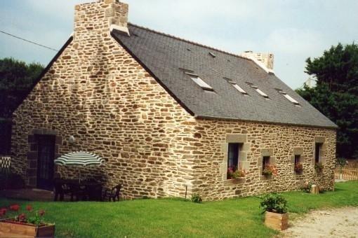 Maison Bretonne à Louer à 6 Km Des Plages (3 Chambres: 5 à 6 Pers), vacation rental in Ploumoguer
