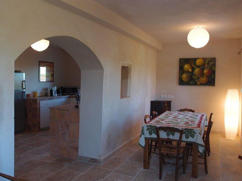 Provence et Camargue, entre Nîmes Avignon et Arles, entre vignes et oliviers, holiday rental in Bellegarde
