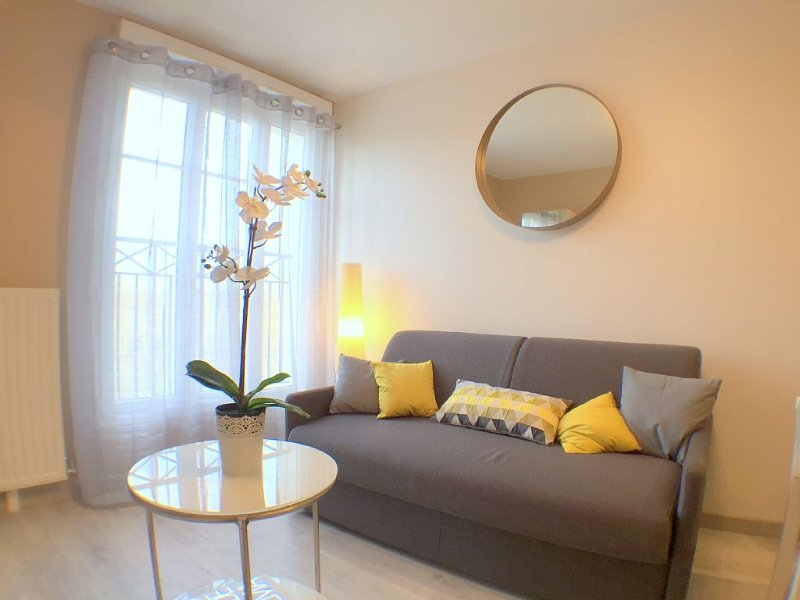 Appartement cosy 2pax Val d'Europe, Disneyland 10mn (SCANDI5), vacation rental in Serris