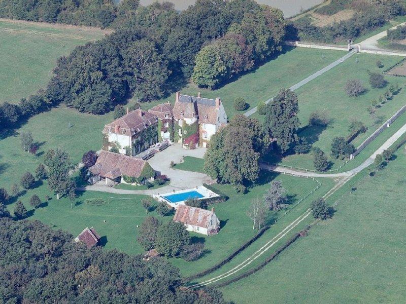 Château En Exclusivité, Réceptions, Mariages, Piscine chauffée, Maison d'hôtes, Ferienwohnung in Le Pechereau