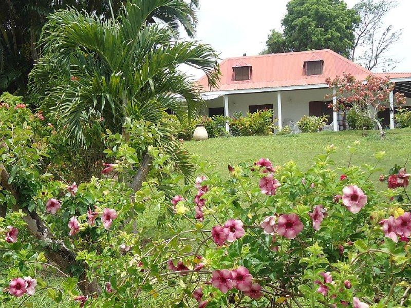 GITE DE CHARME à Petit Bourg: Logement entier, indépendant, aluguéis de temporada em Basse-Terre Island