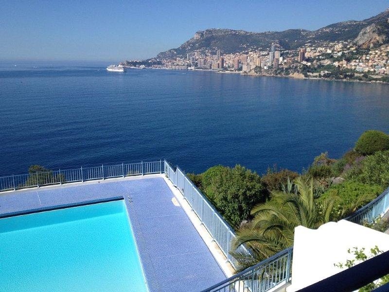 Appartement de standing de 2 pièces à ROQUEBRUNE CAP MARTIN face à MONACO, vacation rental in Roquebrune-Cap-Martin