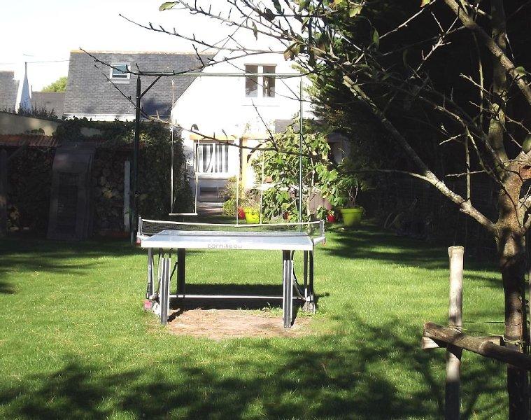 O jardim nas traseiras: ténis de mesa e swing