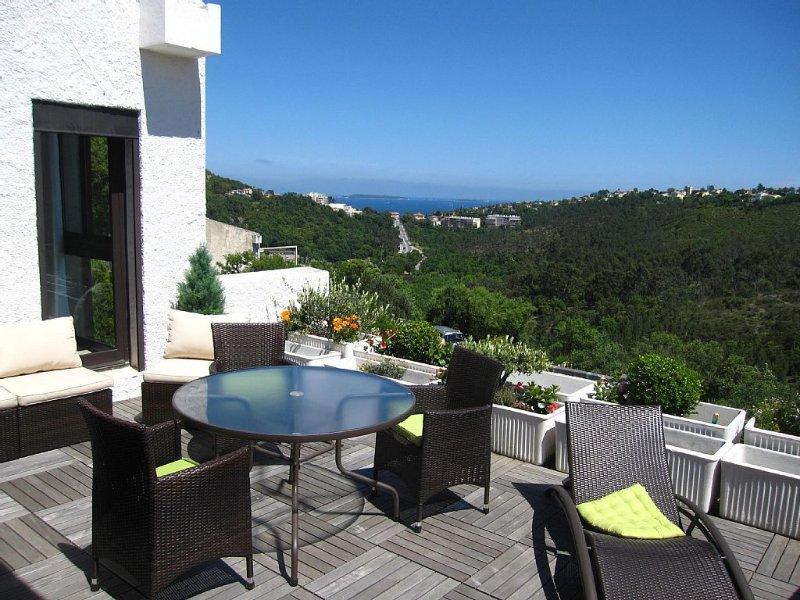 Appartement/Villa vue mer, domaine sécurisé avec piscine & tennis proche Cannes – semesterbostad i Mandelieu-la-Napoule