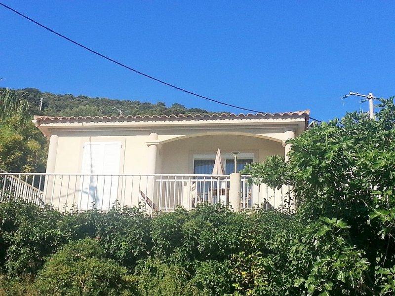 Villa, piscine vue mer  PROMO - 30% 22Juin /29Juin, holiday rental in Belvedere-Campomoro